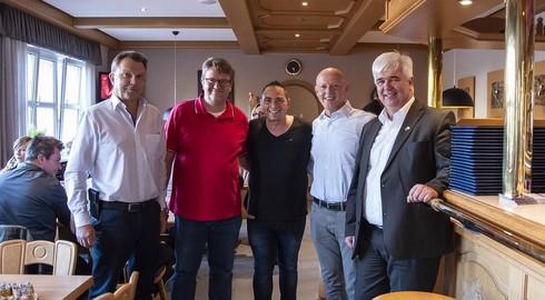 Der singende Pizzabäcker Fabio Gandolfo übernimmt Restaurant Zur Linde