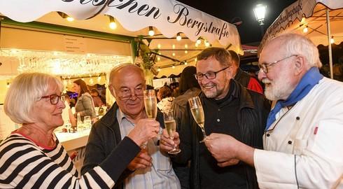 Historischer Stiftsbezirk ist vier Tage lang gemütliches Weindorf - Bilderserie