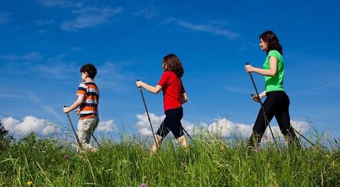 Laufen und Lernen: 14. Nordic Walking Rhönlauf am 6. Mai mit neuen Inhalten
