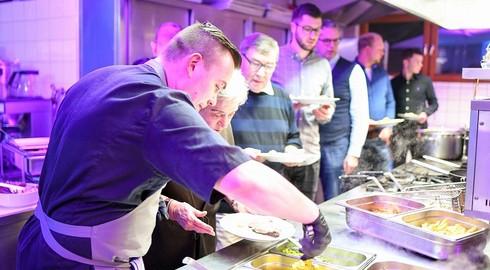 Erstmaliges Beef-and-Fish-Tasting bei Zuspanns-Küchenparty in Praforst